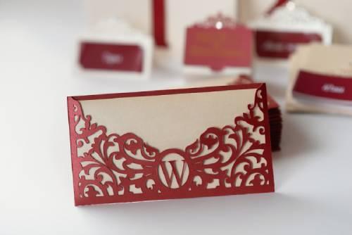 Red wedding insert